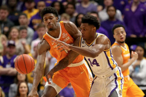 Kentucky Wildcats at Tennessee Volunteers Betting Pick and Prediction