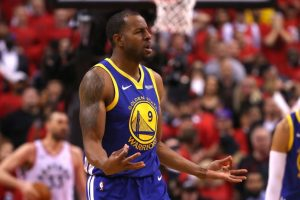 NBA News and Notes: Grizzlies, Iguodala In Stalemate