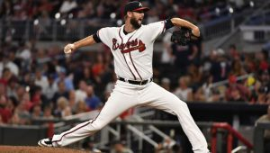 MLB News and Notes: Martin Stays With Braves